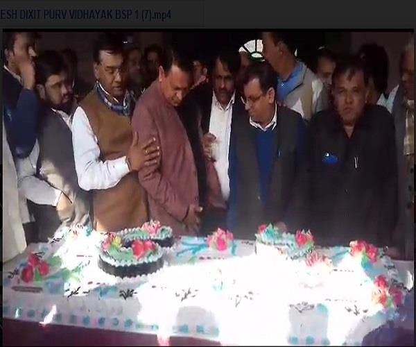 on mayawati  s birthday in baghpat  workers looted cake