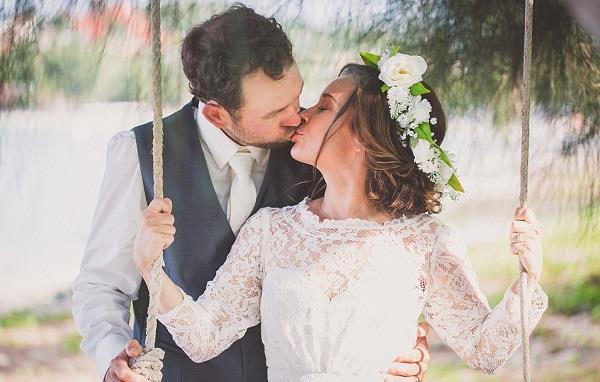 australian couple married on mount everest gruelling trek