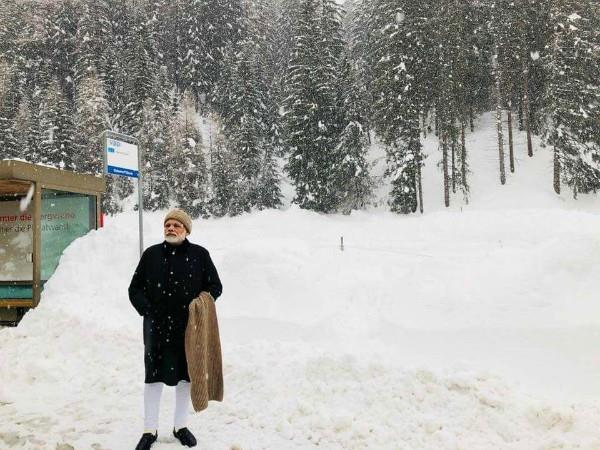 modi enjoyed snowfall in davos