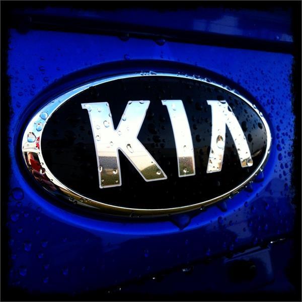kia kills in india  stir in hyundai dealership