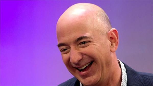 jeff bezos creates world s richest man bill gates overturns