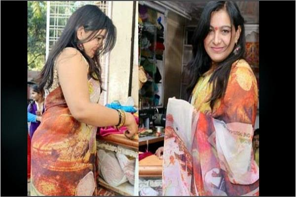 traditional look in saree