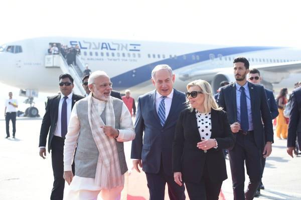 modi again broke protocol to welcome netanyahu