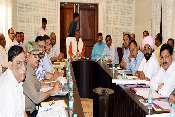 dehradun bjp core group meeting begins in state office