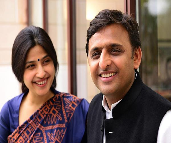 2019 lok sabha elections  akhilesh signals to contest election on wife  s seat