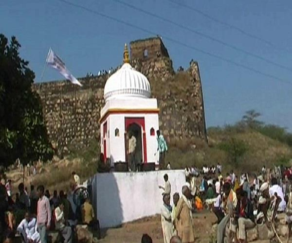 here is the festival of makar sankrati here is the fair know what is history