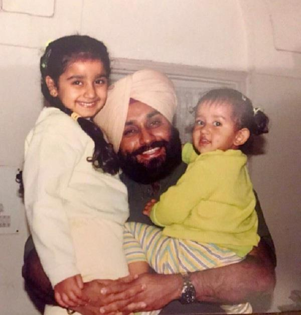 sukhbir badal share pic with his daughters