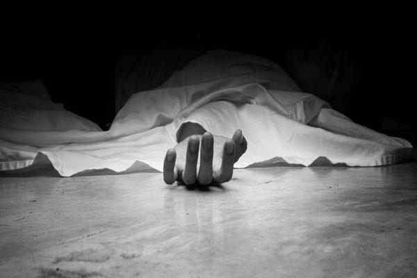 two labourers found dead in pulwama  2 hospitalized
