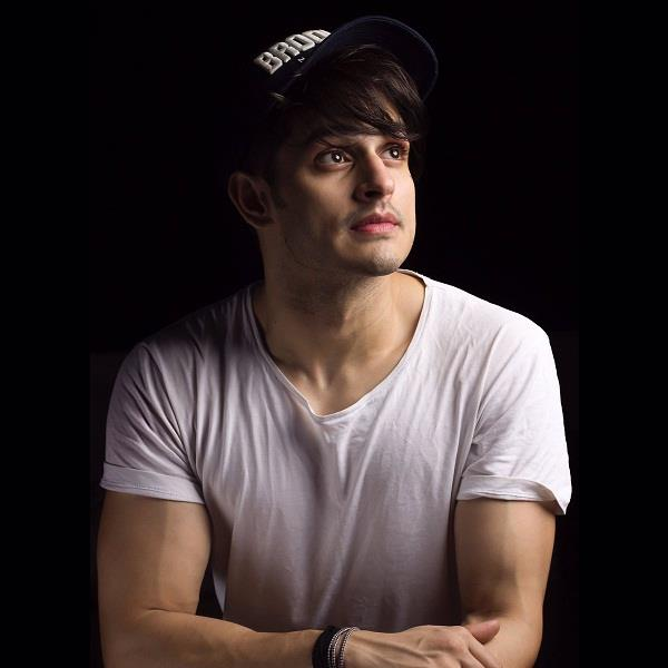 priyank sharma clarifies that he loves benafsha soonawalla