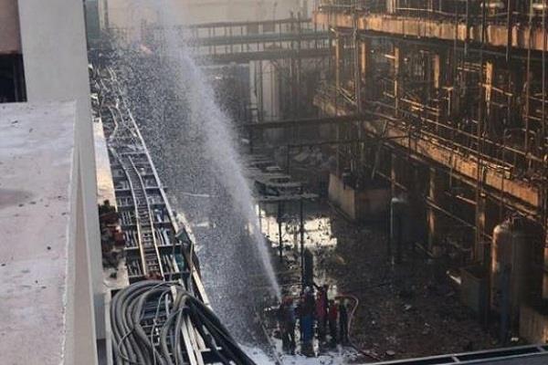 gujarat  blast in vadodara chemical plant  4 workers die