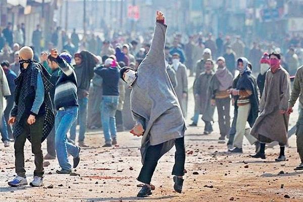 jammu kashmir 11290 arrested in stone killed 213 terrorists