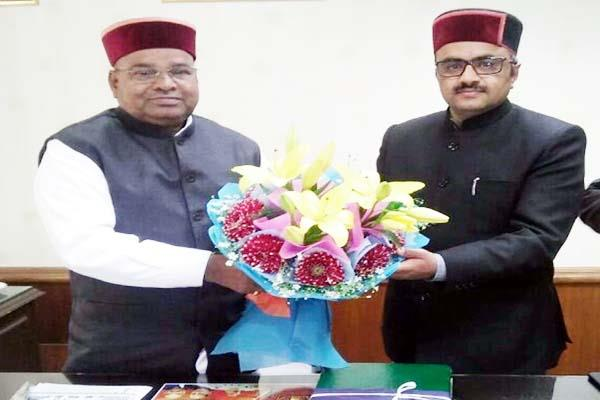 gehlot gives assurance  said himachal will gets adequate funds