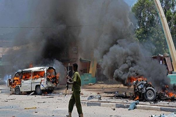 18 killed in car explosion in somalia