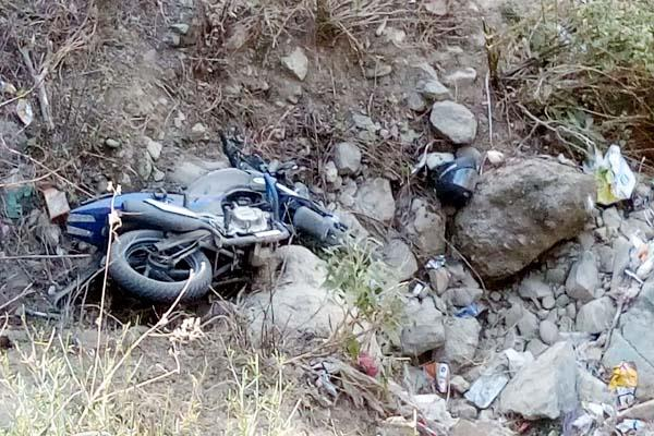 painful incident 2 youths die due to bike falling into ditch