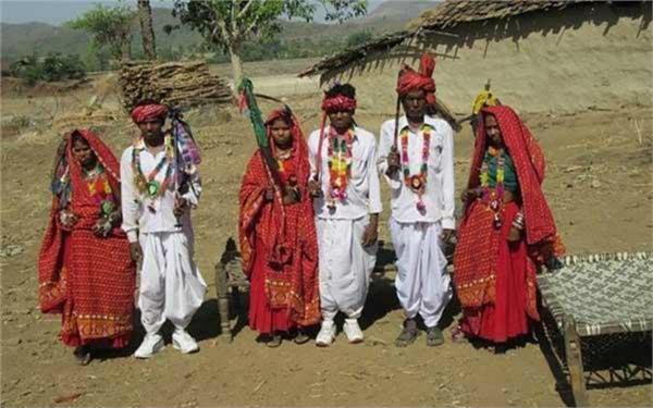 अनोखी प्रथा: यहां शादी से पहले ही एक साथ रहते है लड़का-लड़की