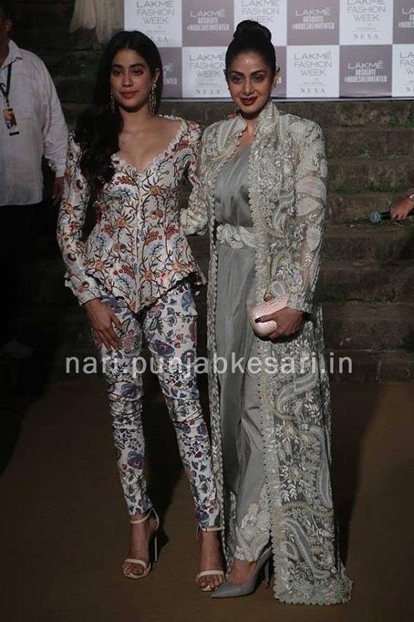 sridevi attended grand finale of lakme fashion week with jhanvi kapoor