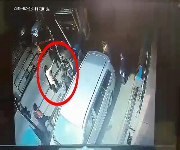 son of bjp mla and his supporters thrashed a toll employee