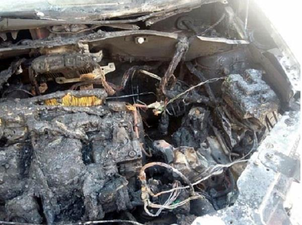 the car parked outside the police personnel s house was set on fire