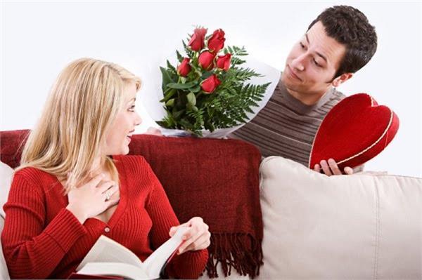 Valentine Day Special: अपने लव पार्टनर को राशि अनुसार दें कुछ ऐसा गिफ्ट
