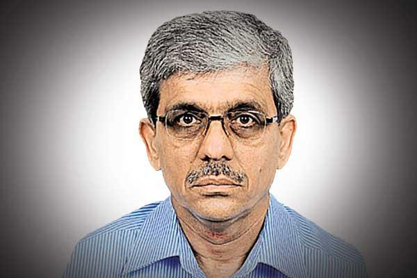 hc stays single bench order on suresh kumar s appointment