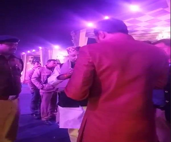 police bjp mp who came to shut the dj over late for a long time