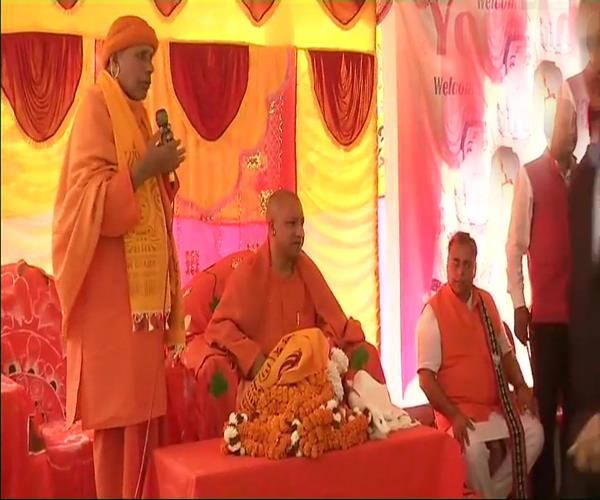 cm yogi reached tripura for 2 day election campaign