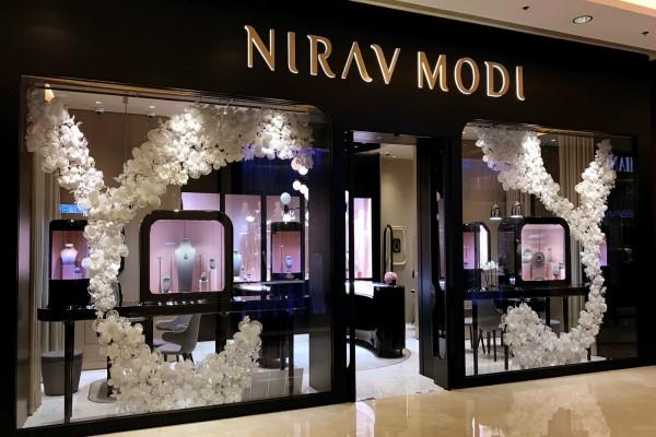 leaders celebrities used to carry cash transactions in modi store