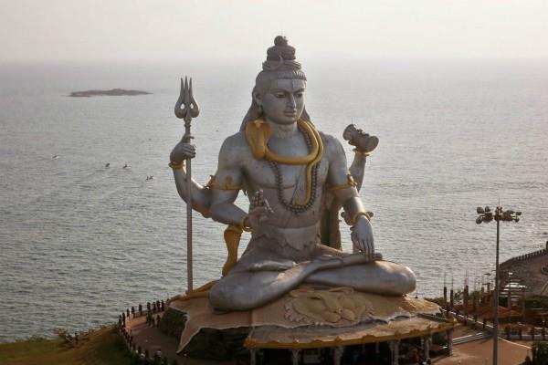 according to dharam purana eight types of shiva statue