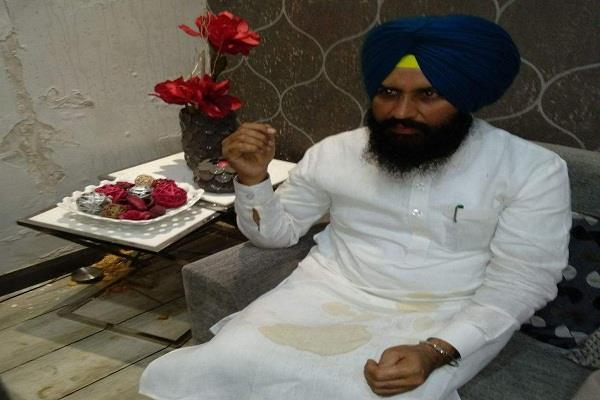 simrjit singh bains attacked by congress workers