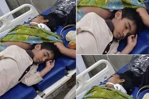 kid sleep with mother dead body