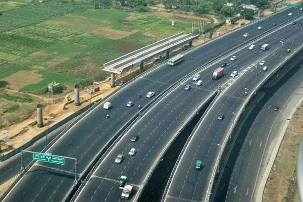 four lane project of srinagar kazigund highway in not done