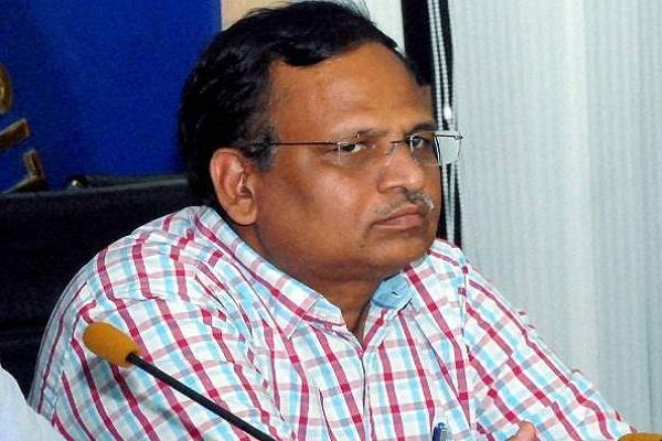 kejriwal s minister in corruption reveals cbi raid
