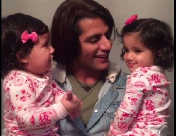 best valentine day surprise from a father to daughters