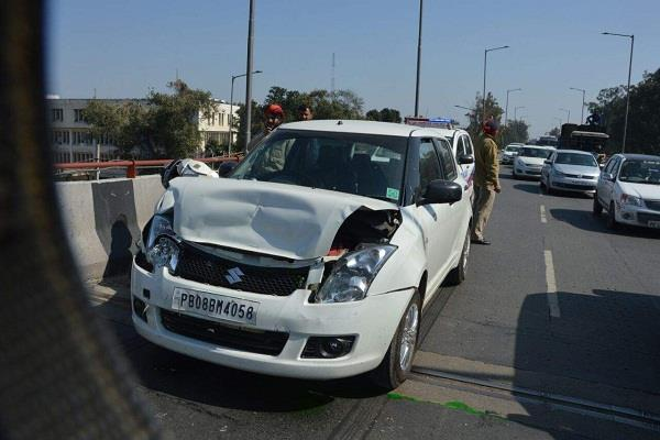 bike rider hit tashan 5 cars collide with each other