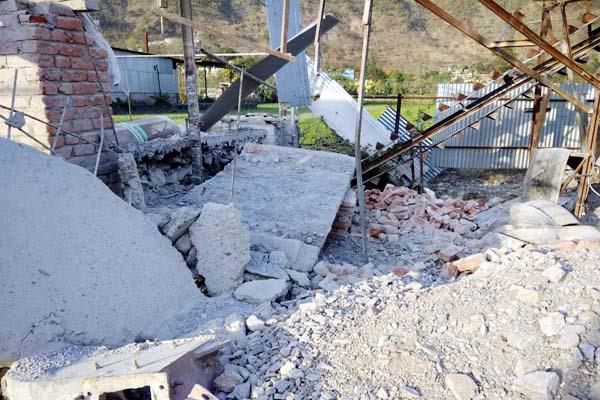 laborer under the debris dead body truned out after 20 hours