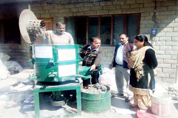 unique initiative of city council mandi waste plastic will way of make money