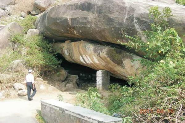 cave of the birth of hanuman ji this is the secret connected to the temple