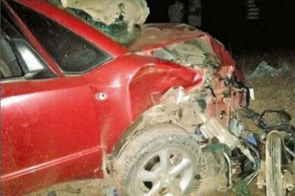 uncontrolled car crushes 15 people who are worshiping