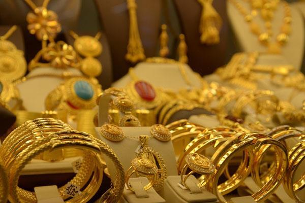 demand of jewelery decreased by 20