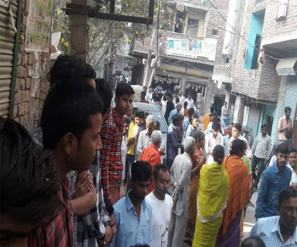 poisonous liquor in ghaziabad killed lee 3 others condition critical
