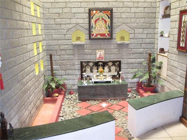 Vastu Tips: गलत तरीके से न बनाएं पूजा स्थल, बिगड़ जाएगी घर की सुख-शांति