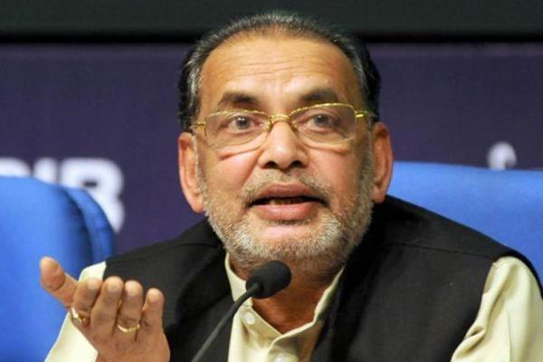centre taking steps for farmers  welfare agri minister