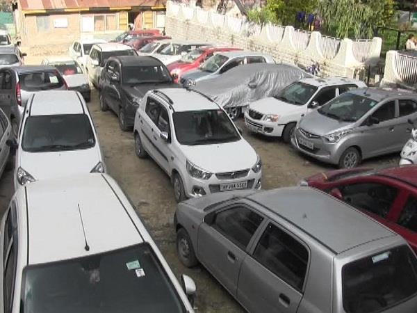 health department became strict on the arbitrary parking of shoppers