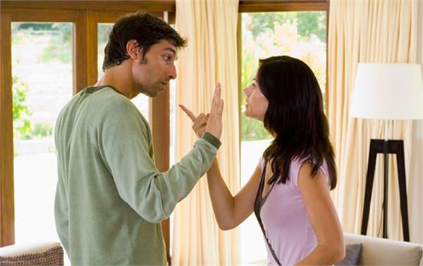 रिश्ता टूटने की वजह बन सकती हैं आपकी ये 6 आदतें