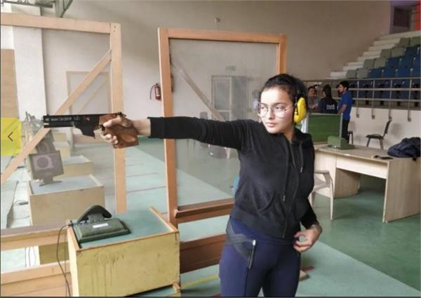 devanshi won a gold medal in sydney