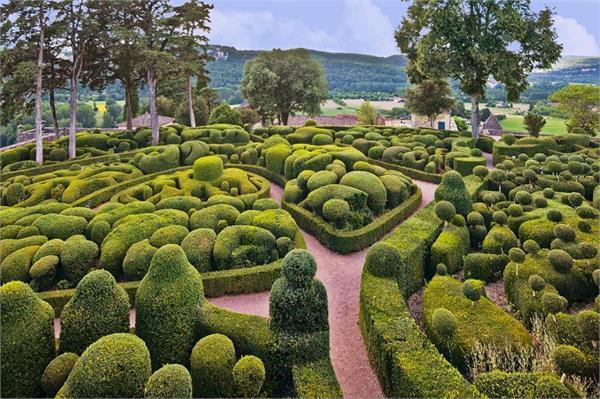 नकली नहीं, असल में मौजूद है ये खूबसूरत गार्डन
