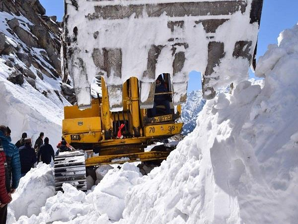 bro launches restoration of manali leh road route