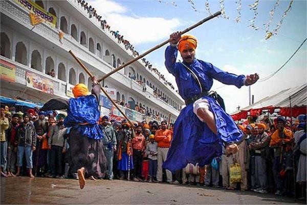 hola mohalla festivals celebrated khalsai shaan shauk