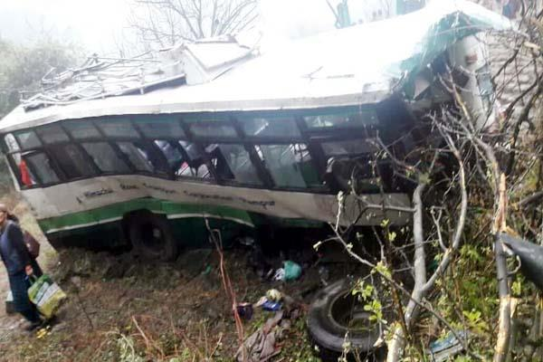 hrtc bus fall into ditch death of woman 55 injured