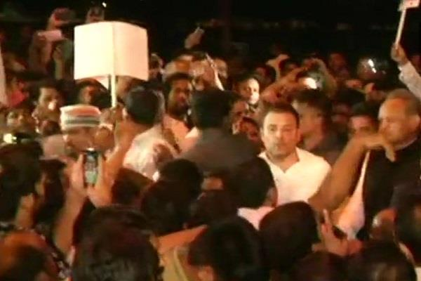 rahul will do a candle march on india gate on midnight in protest of kathua rape